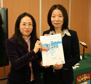 Rikkie Yeung (left), Project Manager at the HKU's Department of Politics and Public Administration and department head Prof Eliza Lee (right) present the INGOs report to the media.