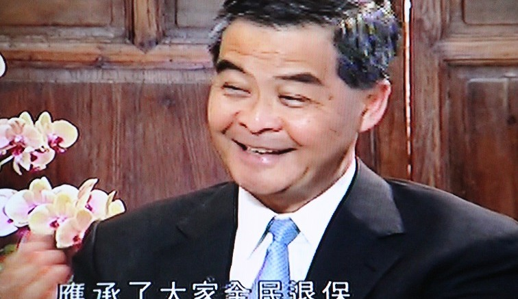 Chief Executive Leung Chun-ying tries to set the record of what he has said and has not said in the issue of retirement protection in a TVB interview.