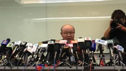 Retired judge Woo Kwok-hing becomes the first to declare his plan to contest the 2017 chief executive election.