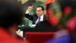 Premier Li Keqiang attends a National People's Congress group meeting on his work report.