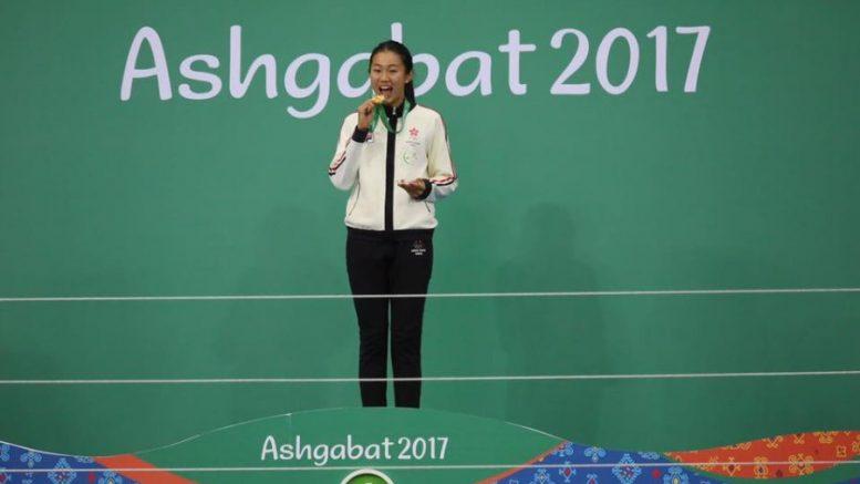 Star hurdler Vera Lui wins a golden medal in the Asian Indoor Games.